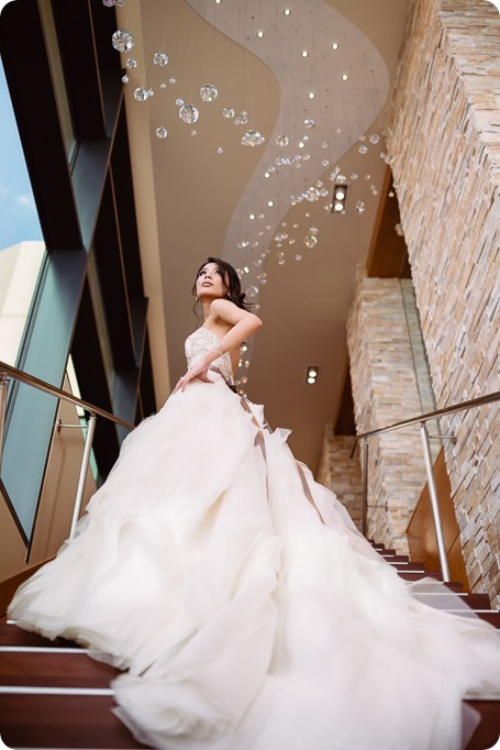 Sparkling-Hill-wedding_glamourous-crystal-decor_Lazaro-bridal-gown_150_by-Kevin-Trowbridge