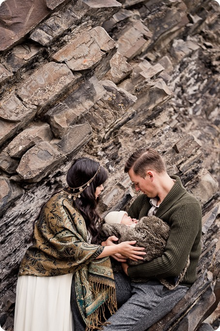Banff-portraits_moss-forest_Fairmont-bohemian-family-session-newborn_02_by-Kevin-Trowbridge