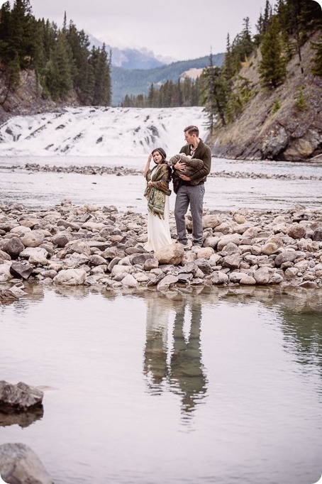 Banff-portraits_moss-forest_Fairmont-bohemian-family-session-newborn_07_by-Kevin-Trowbridge