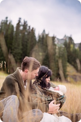 Banff-portraits_moss-forest_Fairmont-bohemian-family-session-newborn_18_by-Kevin-Trowbridge