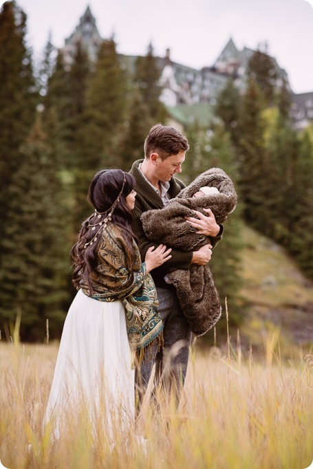 Banff-portraits_moss-forest_Fairmont-bohemian-family-session-newborn_27_by-Kevin-Trowbridge