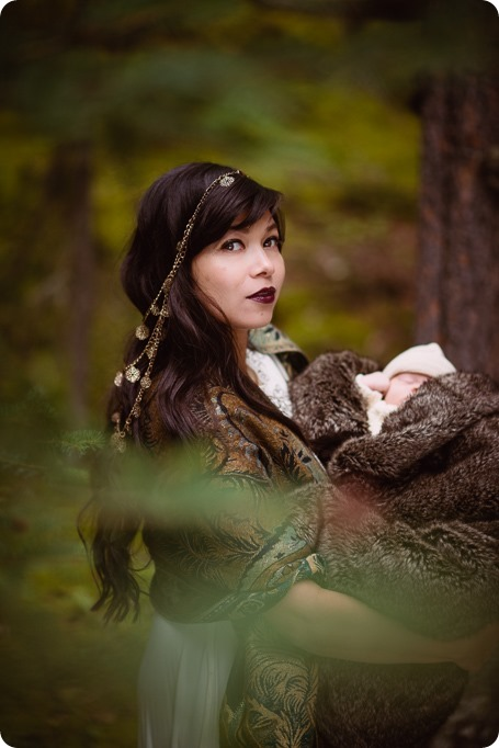 Banff-portraits_moss-forest_Fairmont-bohemian-family-session-newborn_36_by-Kevin-Trowbridge