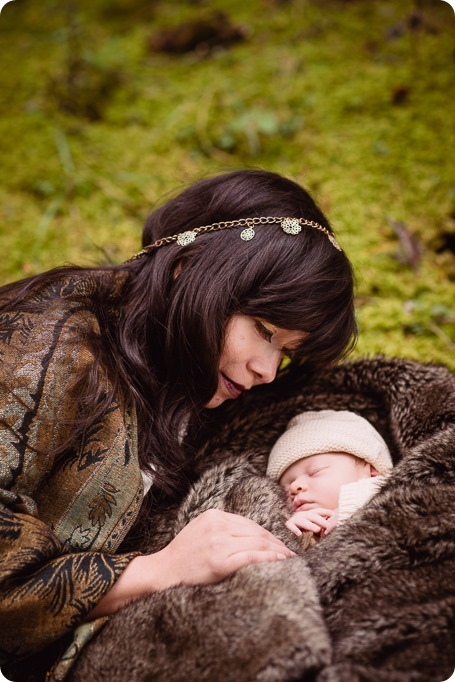 Banff-portraits_moss-forest_Fairmont-bohemian-family-session-newborn_48_by-Kevin-Trowbridge