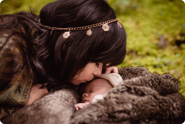 Banff-portraits_moss-forest_Fairmont-bohemian-family-session-newborn_49_by-Kevin-Trowbridge