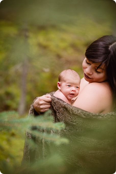 Banff-portraits_moss-forest_Fairmont-bohemian-family-session-newborn_65_by-Kevin-Trowbridge