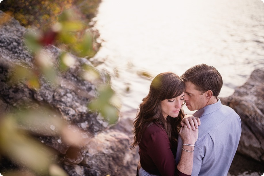 Kelowna-wedding-photographer_Okanagan-engagement-photography-kaloya-park_85992_by-Kevin-Trowbridge