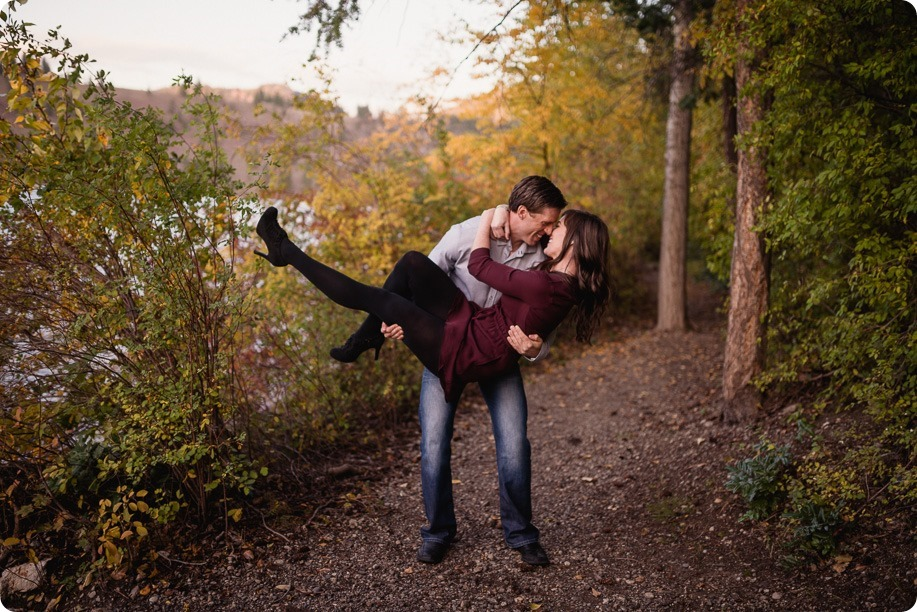 Kelowna-wedding-photographer_Okanagan-engagement-photography-kaloya-park_86107_by-Kevin-Trowbridge