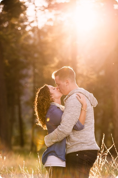 Kelowna-wedding-photographer_Okanagan-engagement-session-Fintry-park__41576_by-Kevin-Trowbridge