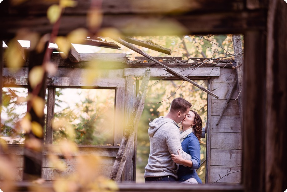 Kelowna-wedding-photographer_Okanagan-engagement-session-Fintry-park__86202_by-Kevin-Trowbridge