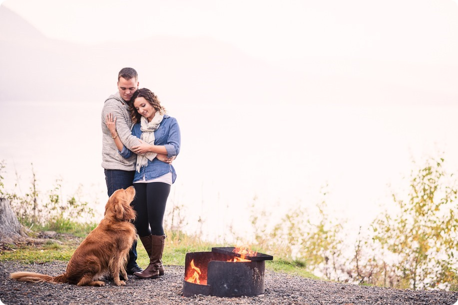 Kelowna-wedding-photographer_Okanagan-engagement-session-Fintry-park__86629_by-Kevin-Trowbridge