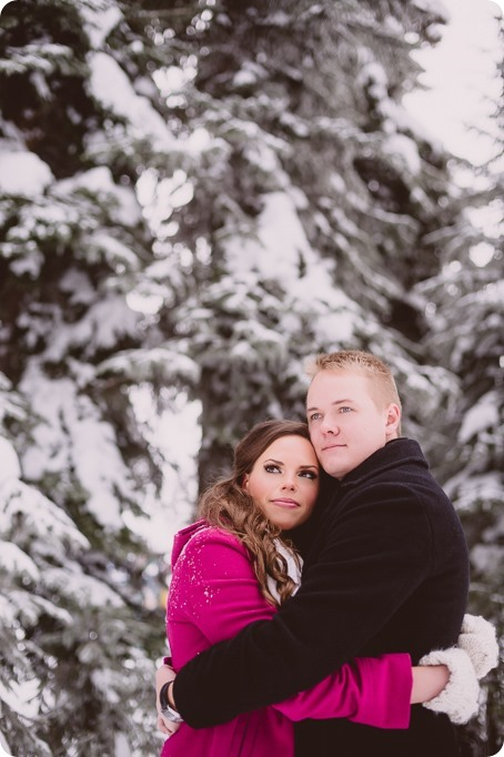 Silverstar-engagement-session_outdoor-skating-portraits_snow-pond-coffeeshop_20_by-Kevin-Trowbridge