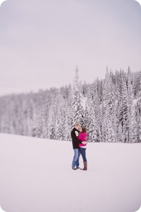 Silverstar-engagement-session_outdoor-skating-portraits_snow-pond-coffeeshop_37_by-Kevin-Trowbridge