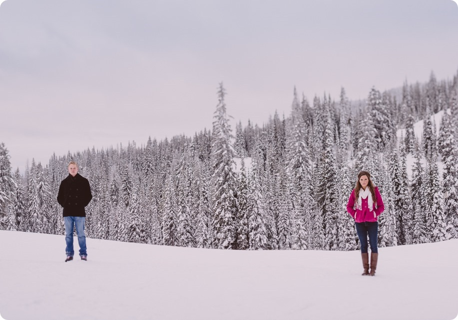 Silverstar-engagement-session_outdoor-skating-portraits_snow-pond-coffeeshop_41_by-Kevin-Trowbridge