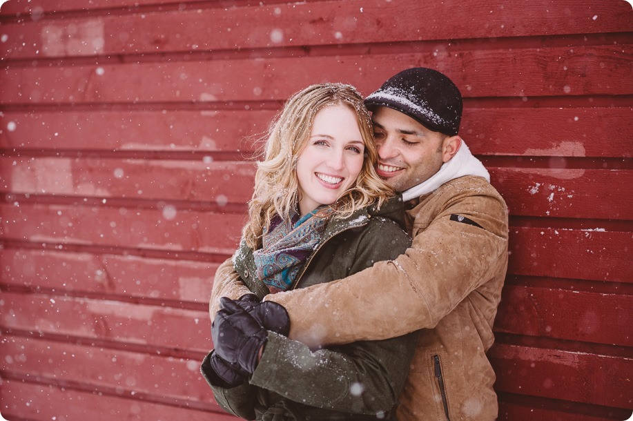 Big-White-engagement-session_Okanagan-photographer_snowy-winter-couples-portraits__46309_by-Kevin-Trowbridge