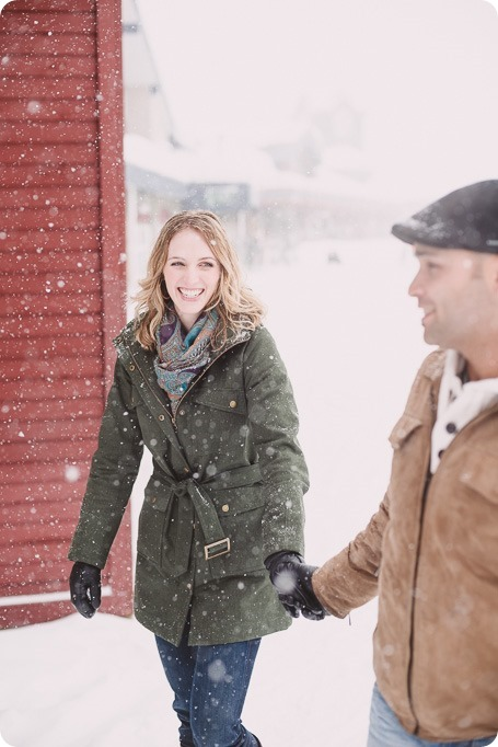 Big-White-engagement-session_Okanagan-photographer_snowy-winter-couples-portraits__81821_by-Kevin-Trowbridge