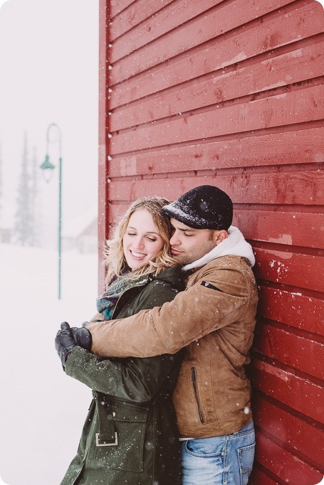 Big-White-engagement-session_Okanagan-photographer_snowy-winter-couples-portraits__81845_by-Kevin-Trowbridge