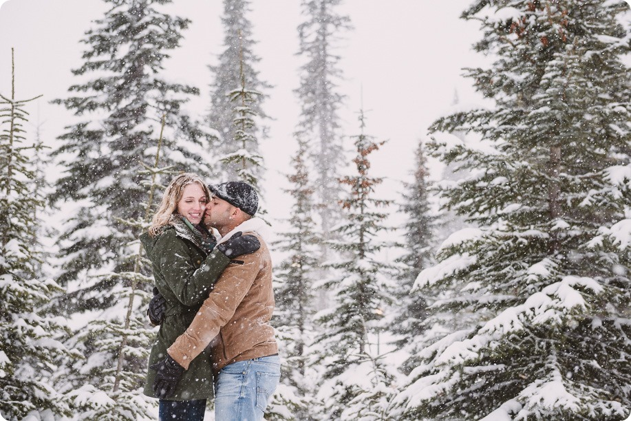 Big-White-engagement-session_Okanagan-photographer_snowy-winter-couples-portraits__81954_by-Kevin-Trowbridge