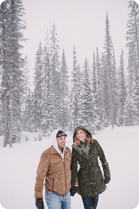 Big-White-engagement-session_Okanagan-photographer_snowy-winter-couples-portraits__81990_by-Kevin-Trowbridge