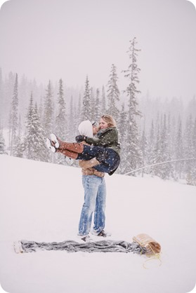 Big-White-engagement-session_Okanagan-photographer_snowy-winter-couples-portraits__82062_by-Kevin-Trowbridge