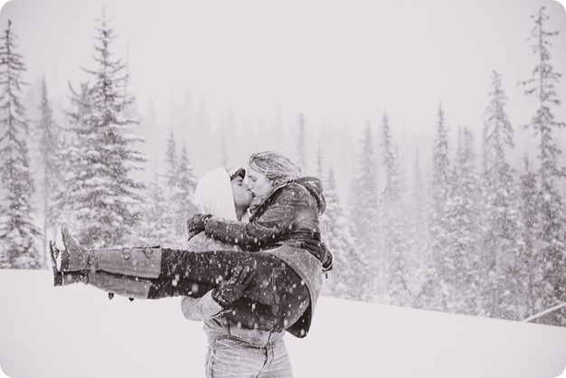 Big-White-engagement-session_Okanagan-photographer_snowy-winter-couples-portraits__82065_by-Kevin-Trowbridge-2