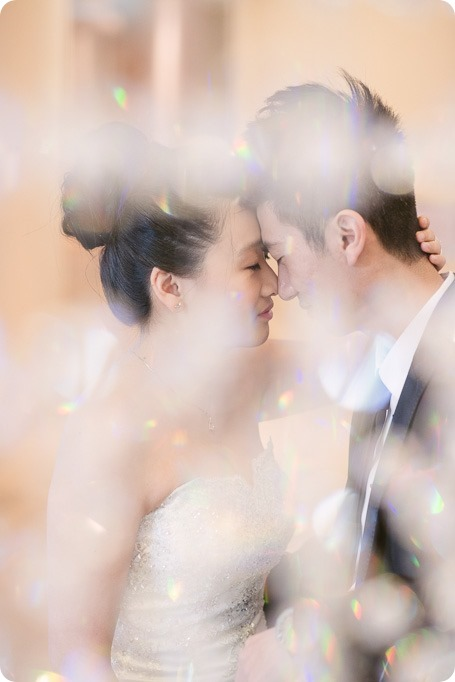Sparkling-Hill-wedding-photography_Chinese-Tea-Ceremony_winter-wedding__81023_by-Kevin-Trowbridge