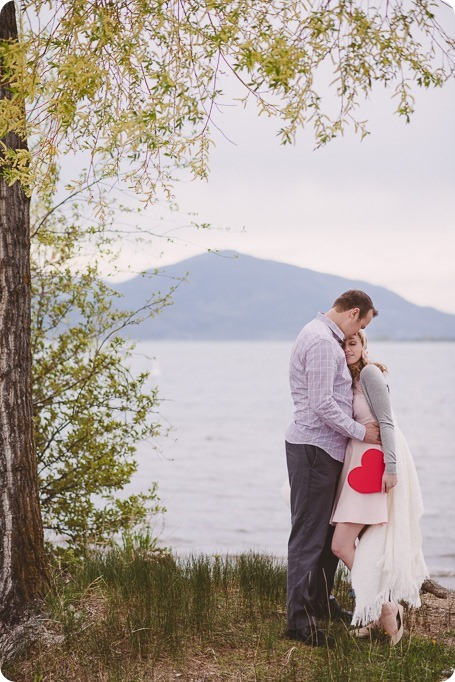Kelowna-engagement-session_bed-on-the-beach_pillow-fight_lake-portraits_vintage-origami_44_by-Kevin-Trowbridge