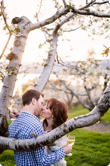 Kelowna-wedding-photographer_cherry-blossom-engagement-session_sunset-couples-portraits_tandem-bike__40424_by-Kevin-Trowbridge