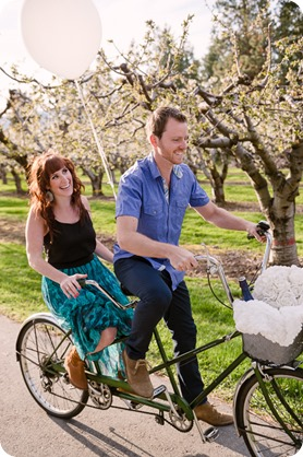 Kelowna-wedding-photographer_cherry-blossom-engagement-session_sunset-couples-portraits_tandem-bike__40246_by-Kevin-Trowbridge