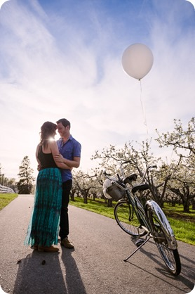 Kelowna-wedding-photographer_cherry-blossom-engagement-session_sunset-couples-portraits_tandem-bike__40322_by-Kevin-Trowbridge