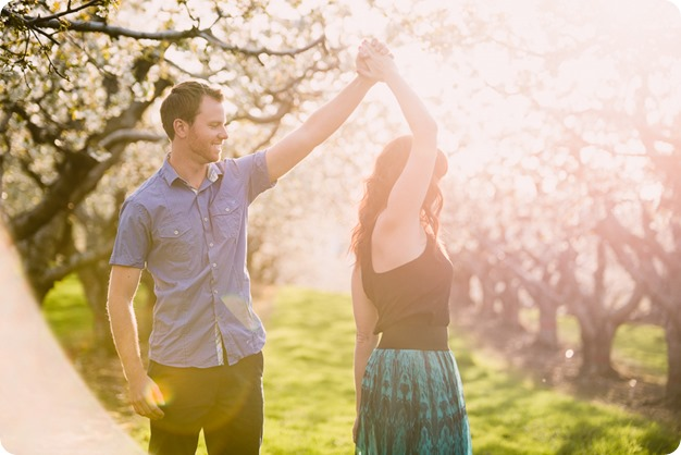 Kelowna-wedding-photographer_cherry-blossom-engagement-session_sunset-couples-portraits_tandem-bike__85747_by-Kevin-Trowbridge