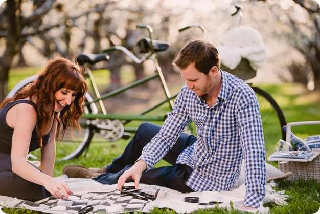 Kelowna-wedding-photographer_cherry-blossom-engagement-session_sunset-couples-portraits_tandem-bike__86008_by-Kevin-Trowbridge