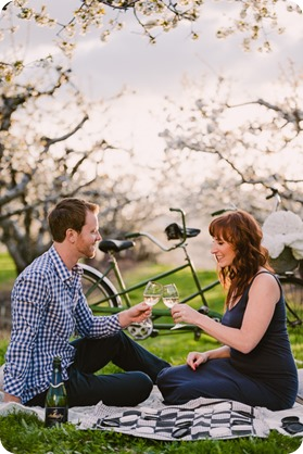 Kelowna-wedding-photographer_cherry-blossom-engagement-session_sunset-couples-portraits_tandem-bike__86034_by-Kevin-Trowbridge