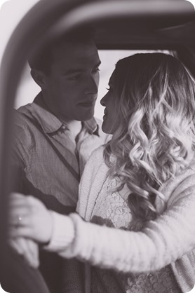 vintage-truck-engagement-session_Okanagan-photographer_sunset-field-couples-portraits__46850_by-Kevin-Trowbridge-2