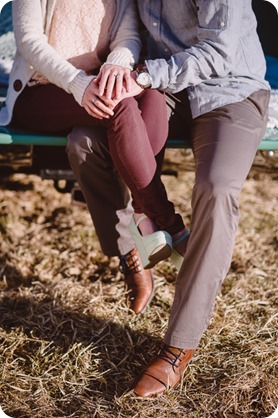 vintage-truck-engagement-session_Okanagan-photographer_sunset-field-couples-portraits__47016_by-Kevin-Trowbridge