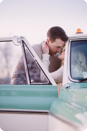 vintage-truck-engagement-session_Okanagan-photographer_sunset-field-couples-portraits__47611_by-Kevin-Trowbridge