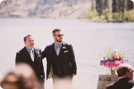 Kaleden-wedding_lake-portraits-rowboat-101_by-Kevin-Trowbridge-photography_Kelowna