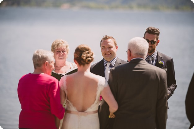 Kaleden-wedding_lake-portraits-rowboat-109_by-Kevin-Trowbridge-photography_Kelowna