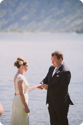 Kaleden-wedding_lake-portraits-rowboat-121_by-Kevin-Trowbridge-photography_Kelowna