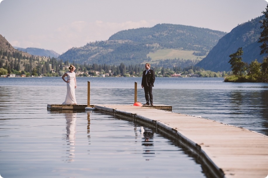 Kaleden-wedding_lake-portraits-rowboat-160_by-Kevin-Trowbridge-photography_Kelowna