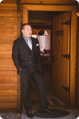 Kaleden-wedding_lake-portraits-rowboat-33_by-Kevin-Trowbridge-photography_Kelowna