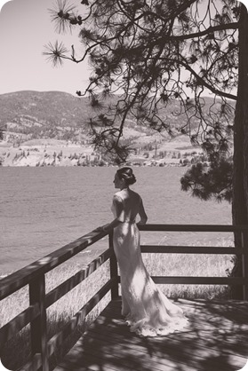 Kaleden-wedding_lake-portraits-rowboat-37_by-Kevin-Trowbridge-photography_Kelowna