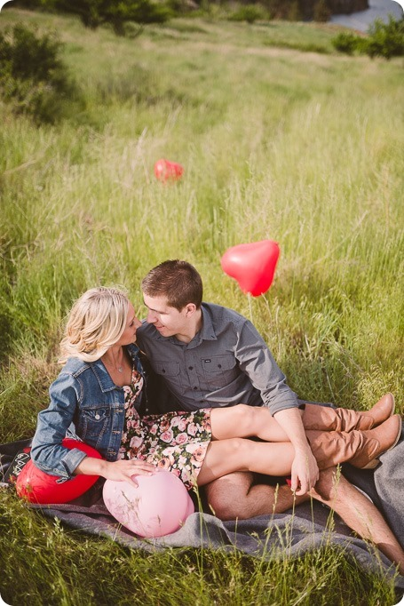 Kelowna-engagement-session_Fields-beach_hearts_Okanagan_27_by-Kevin-Trowbridge
