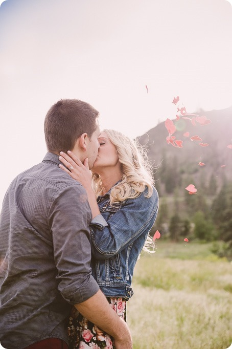 Kelowna-engagement-session_Fields-beach_hearts_Okanagan_71_by-Kevin-Trowbridge