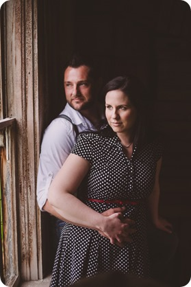 Kelowna-engagement-session_farmhouse_lake-portraits_33_by-Kevin-Trowbridge