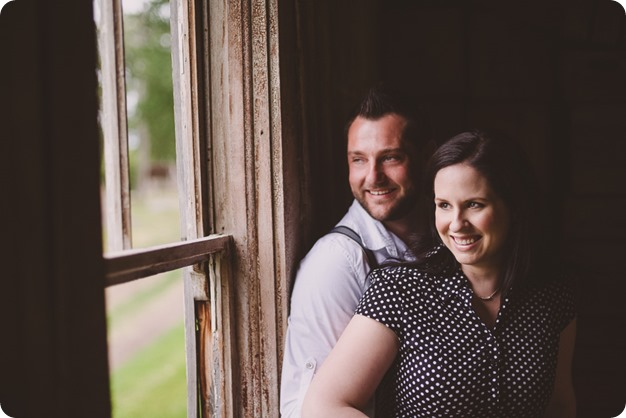 Kelowna-engagement-session_farmhouse_lake-portraits_35_by-Kevin-Trowbridge