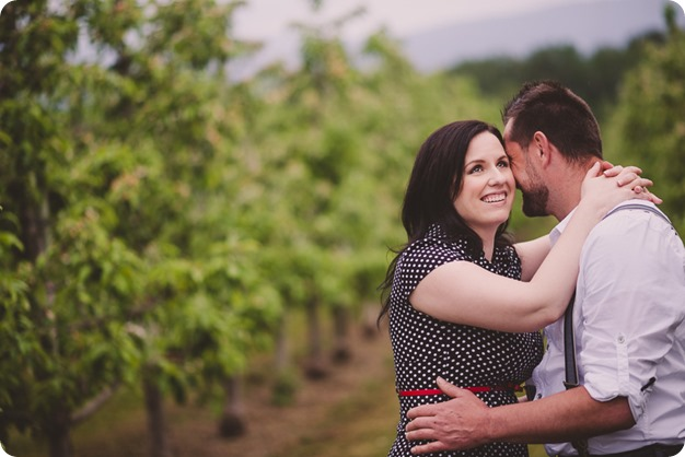 Kelowna-engagement-session_farmhouse_lake-portraits_54_by-Kevin-Trowbridge