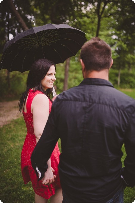 Kelowna-engagement-session_farmhouse_lake-portraits_64_by-Kevin-Trowbridge