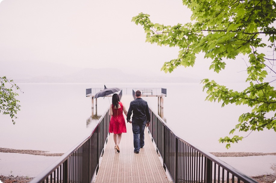 Kelowna-engagement-session_farmhouse_lake-portraits_68_by-Kevin-Trowbridge