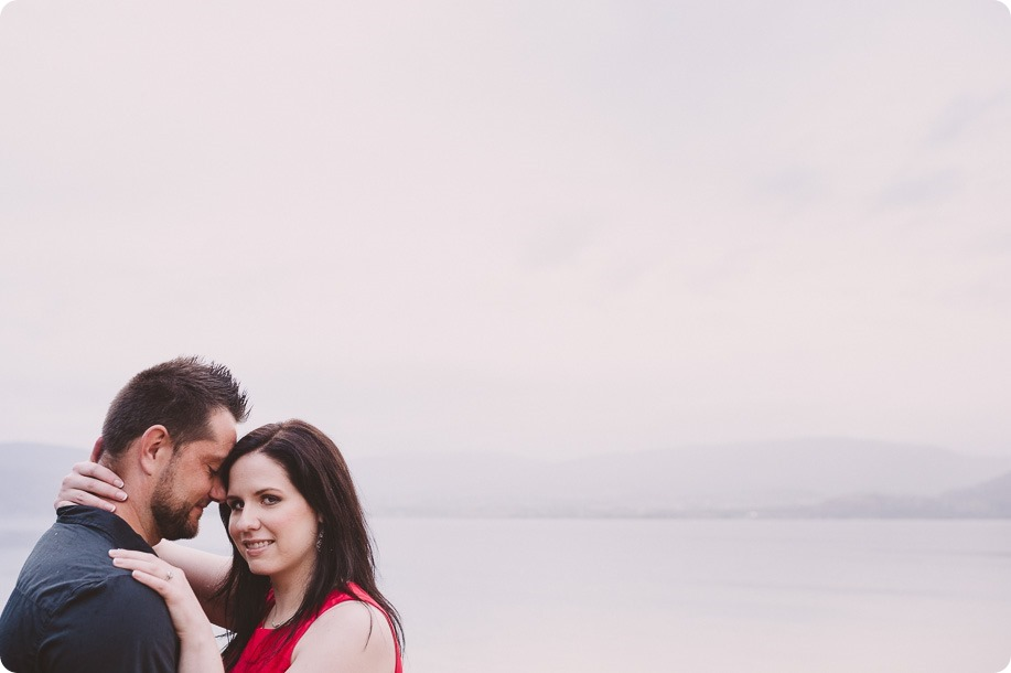 Kelowna-engagement-session_farmhouse_lake-portraits_76_by-Kevin-Trowbridge