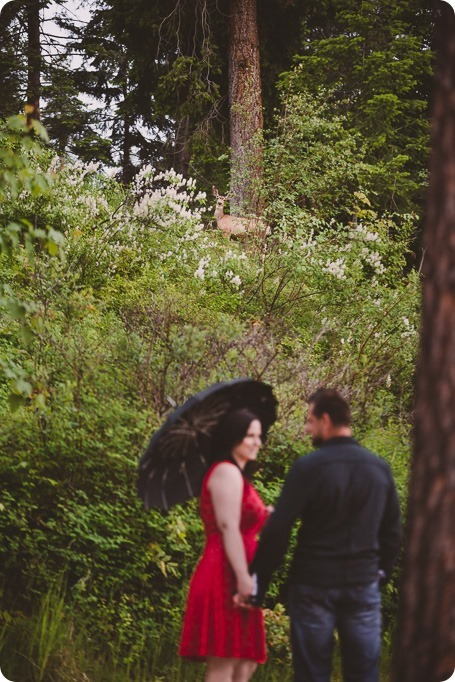 Kelowna-engagement-session_farmhouse_lake-portraits_81_by-Kevin-Trowbridge